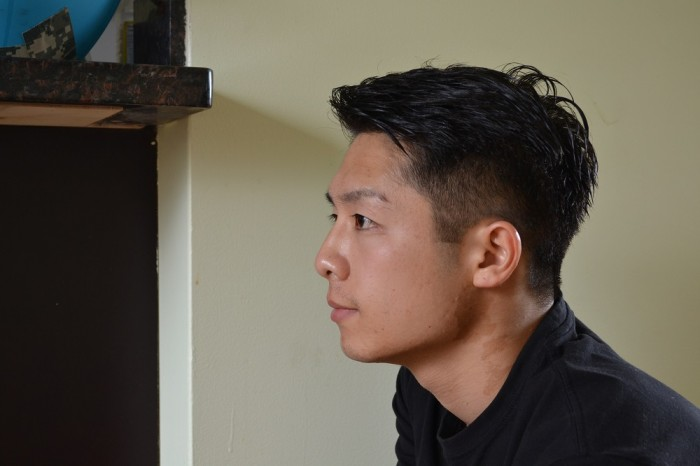 バンクーバーの流行ヘア側面の写真