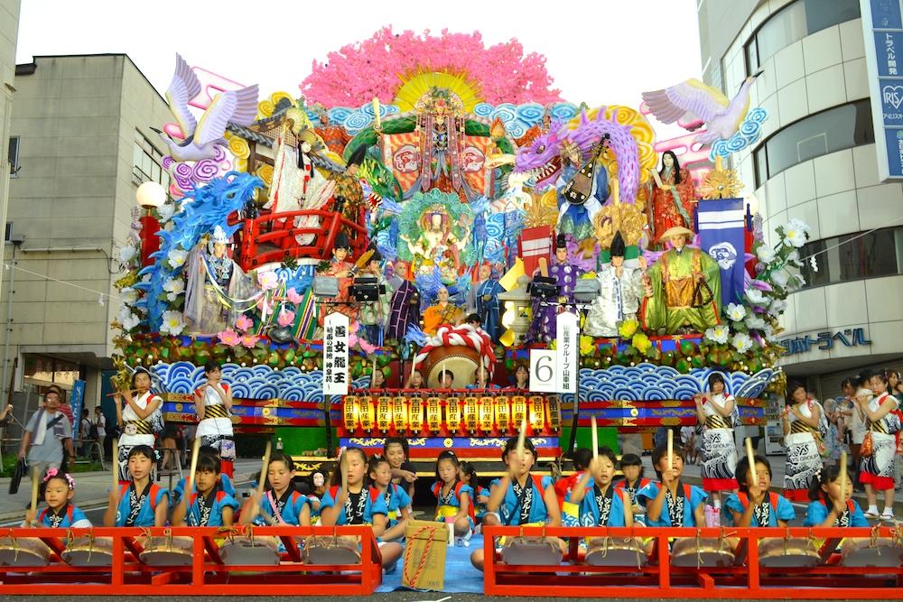 青森八戸三社大祭の山車(善女龍王さま)の写真