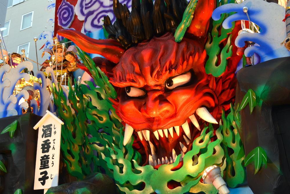 青森八戸三社大祭の山車(酒呑童子)の写真