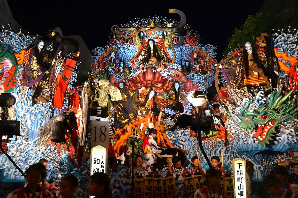 青森八戸三社大祭の山車(知盛)の写真