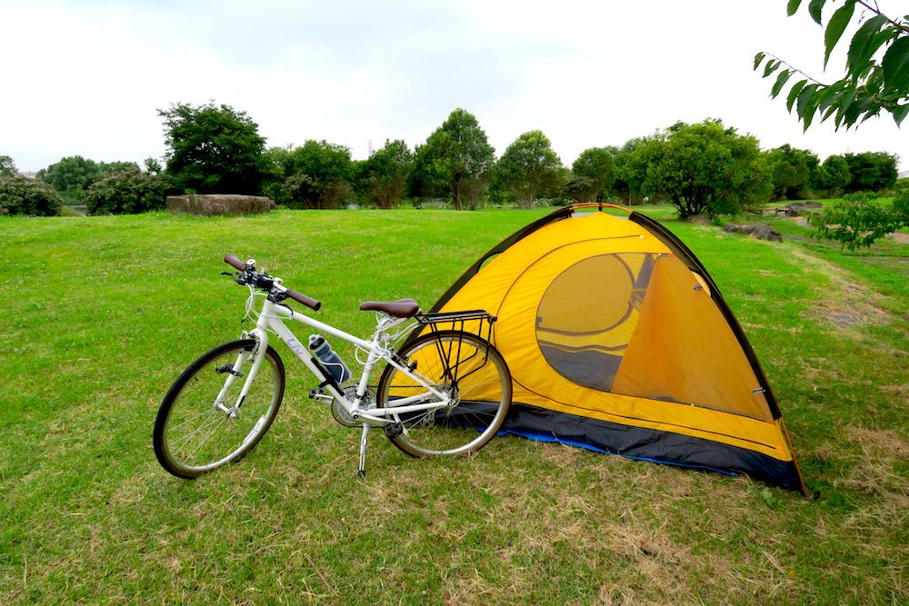 日本一周自転車とテントの写真