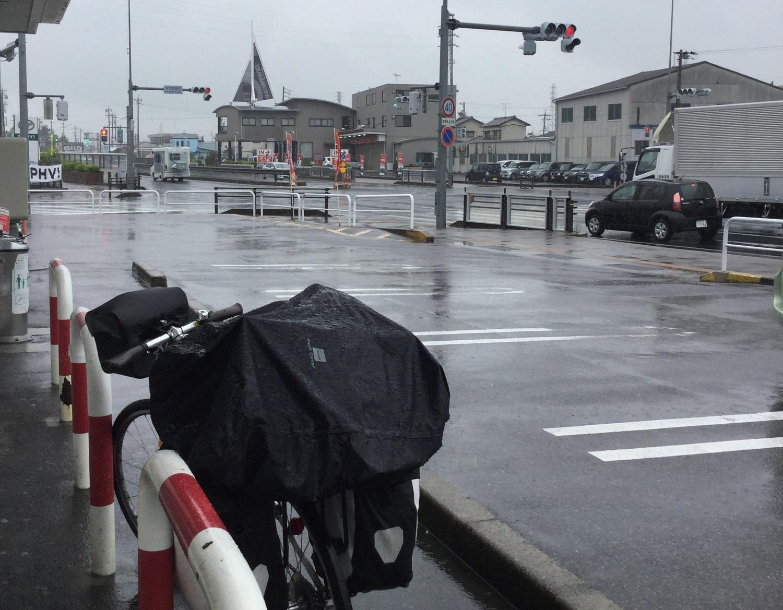 自転車日本一周雨の日の写真