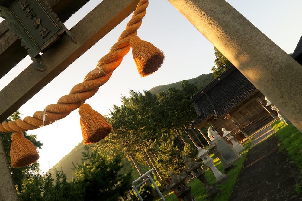 新潟県佐渡島にある松前神社の写真