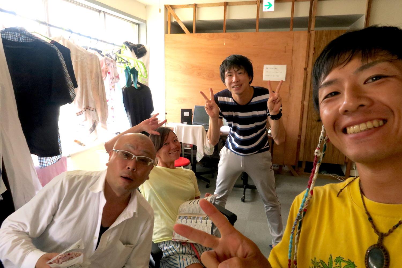 新潟市のゲストハウスアンペ荘の皆さんの写真
