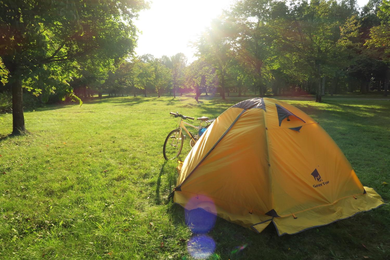 日本一周旅行|公園で野宿(テントでキャンプ)するのは違法だってよ〜
