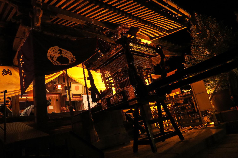 福島県須賀川市神炊館神社秋季例大祭(神社と御神輿)の写真