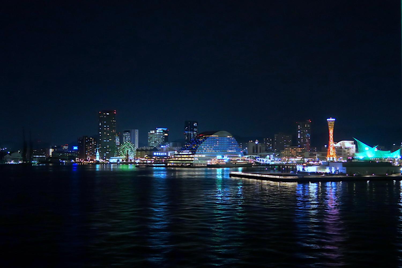 神戸ポートアイランドの夜景(ジャンボフェリーより)の写真