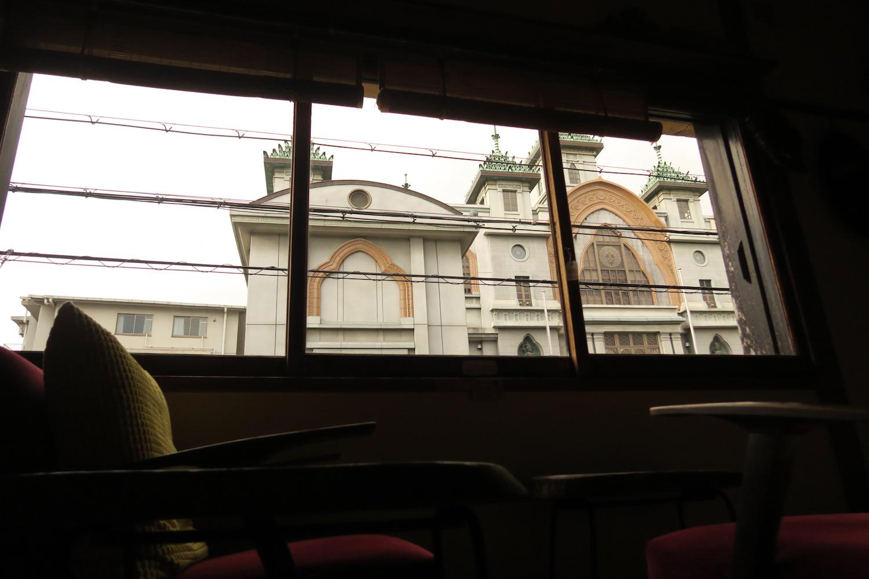 神戸の自家焙煎カフェ「すいらて」の二階からの景色の写真