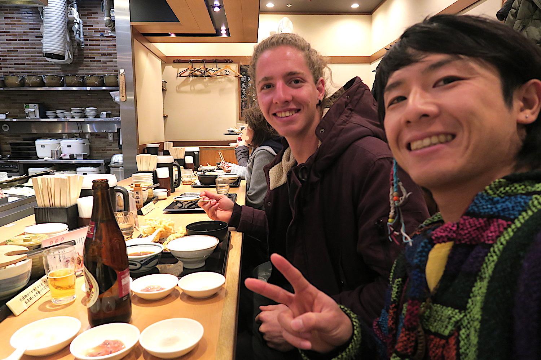 ホステルスタッフ(同僚)のフランス人と天ぷらレストランへ行った写真