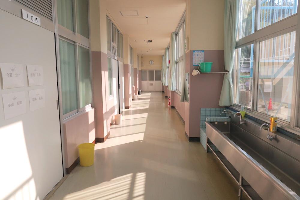 季節労働愛媛県でみかんアルバイト(マンダリン寮・廊下)の写真