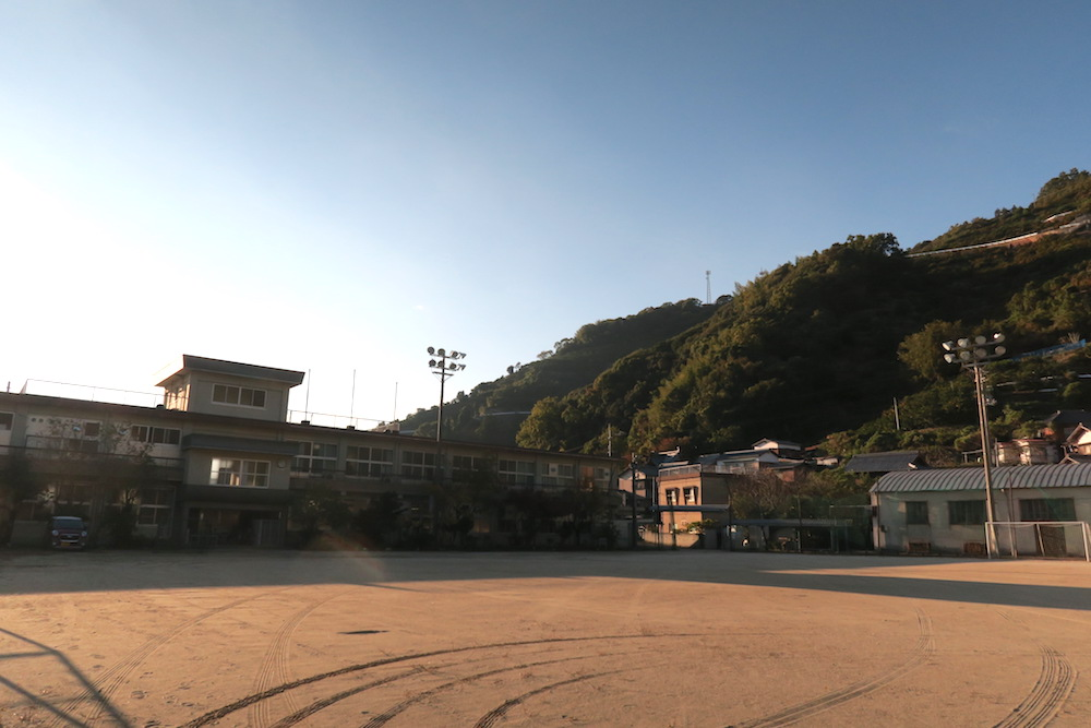 季節労働愛媛県でみかんアルバイト(マンダリン寮・グランド)の写真