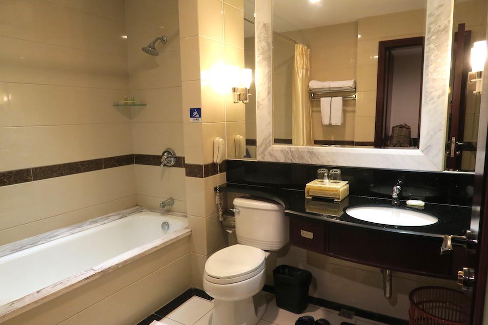 中国南方航空トランジットホテル・広州精益大酒店のバスルームの写真