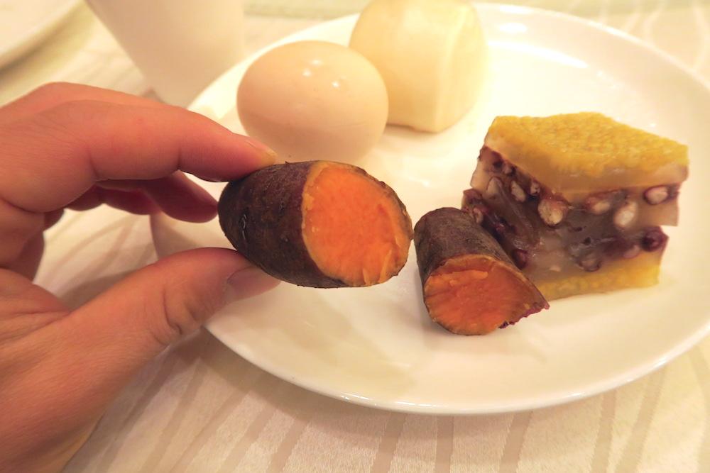 中国南方航空トランジットホテル・広州精益大酒店の朝食イモの写真