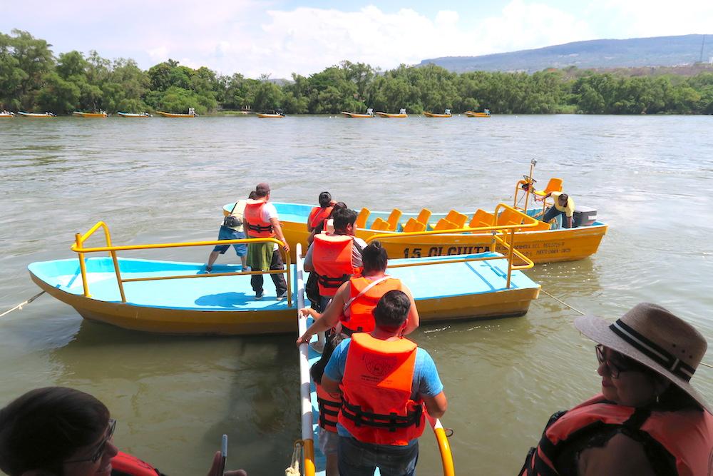 メキシコ・スミデロ渓谷ボートツアー乗り込み〜の写真