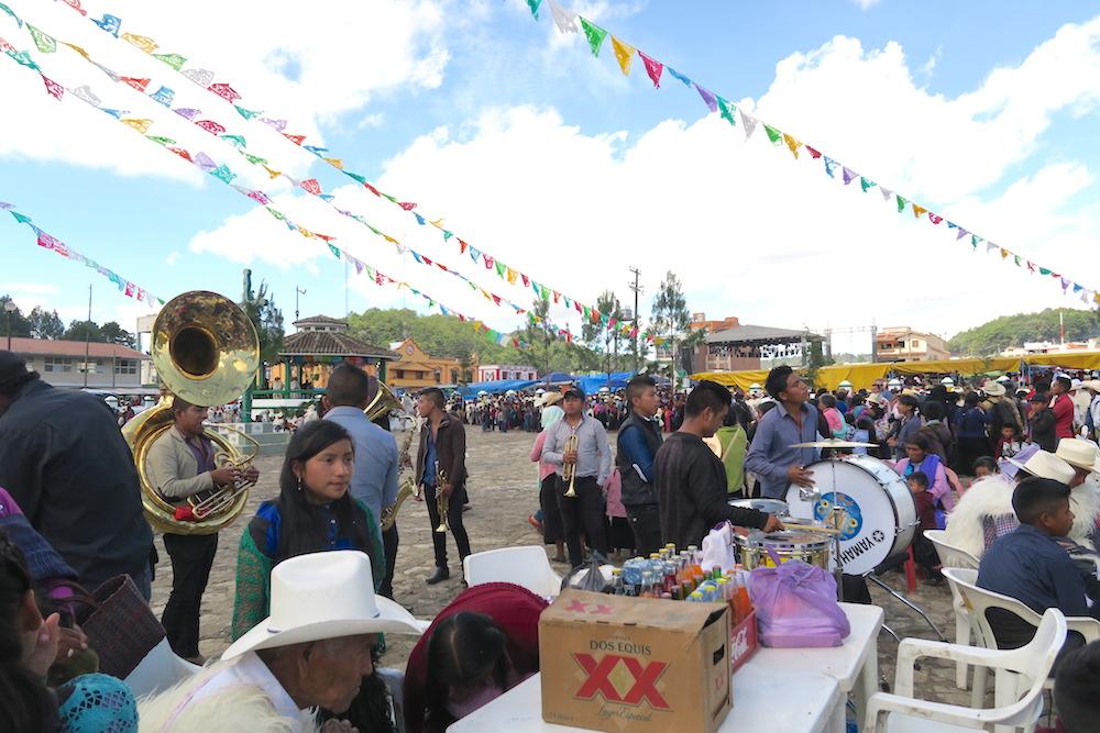 メキシコ|サンフアンチャムラのお祭り(生バンド)の写真
