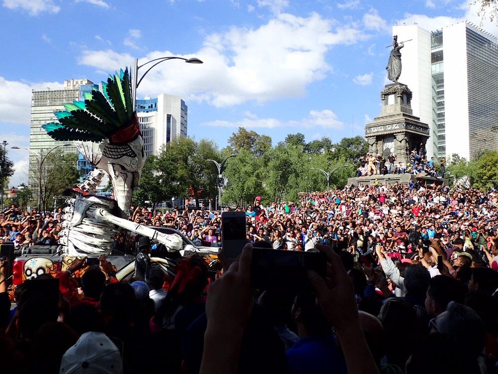 メキシコシティ死者の日のパレード2の写真