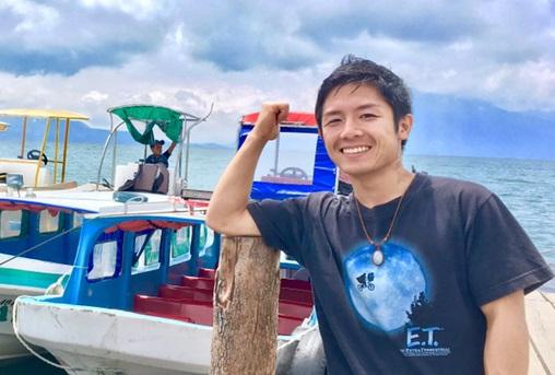 グアテマラ・アティトラン湖のボート(プロフ用)の写真