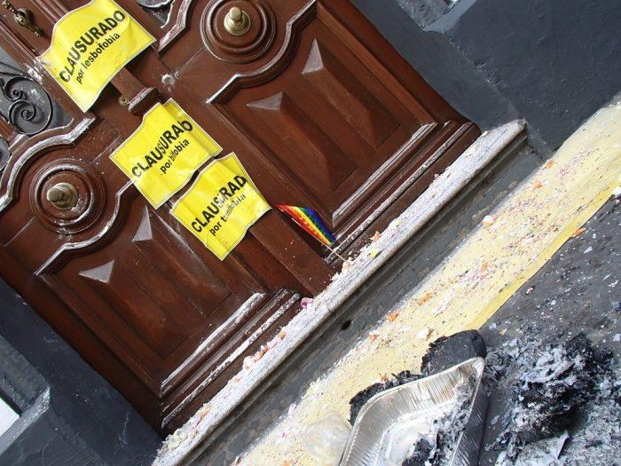 メキシコ・プエブラのデモ活動(州議会)の写真